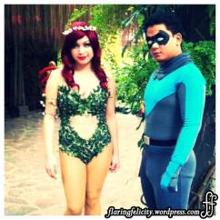 Poison Ivy and Robin has been walking around the venue together. Plotting something ei?