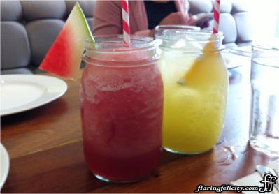 Refreshing fruit juices served in jars!